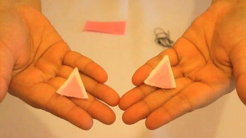 passo 2 - recorte dois triangulos em fletro