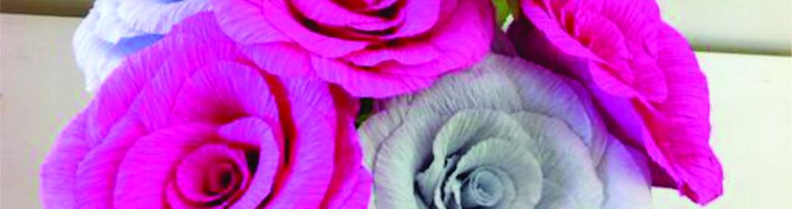 Aprenda a fazer rosas de papel crepom