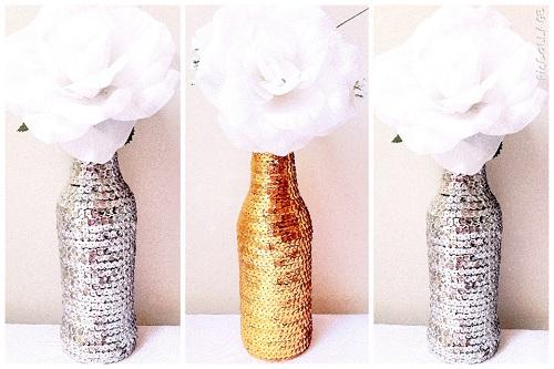 garrafa decorada com lantejoulas
